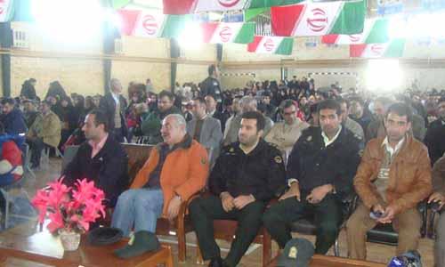 جشنواره آدم برفی و جشن بزرگ انقلاب به همت شهرداری و شورای اسلامی شهر ارجمند برگزار گردید